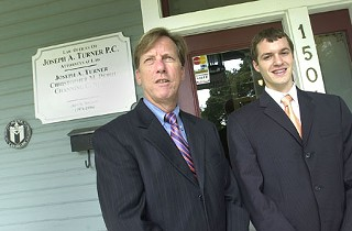 Perez's attorneys, Joseph Turner (l) and Chris Perri