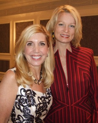 Hospice Austin's Annual Beauty of Life luncheon featured television's Charla Krupp  (l), author of <i>New York Times</i> bestseller <i>How Not to Look Old</i>, along with the chair of the fundraiser, Anne Elizabeth Wynn (r), who spoke eloquently at the very well-received event.