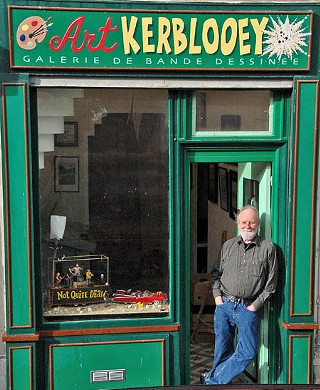 Gilbert Shelton in front of his studio Art Kerblooey, 9 Rue François de Neufchâteau, Paris, France
