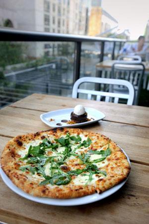Restaurant review destination dining downtown food for Food bar kitchen jkl
