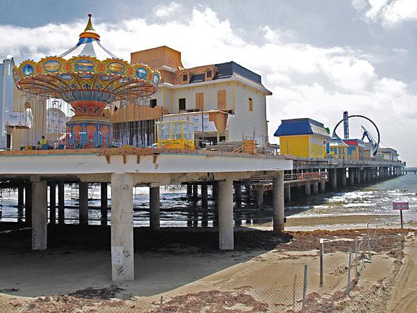 Day Trips The Pleasure Pier Amusement Park Returns To