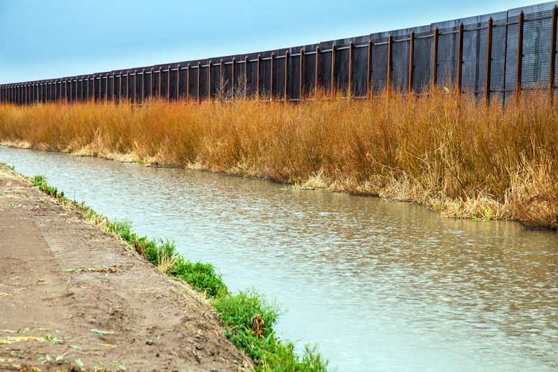 """Reps Outraged at """"Inhumane"""" and """"Dystopian"""" Conditions at Border"""
